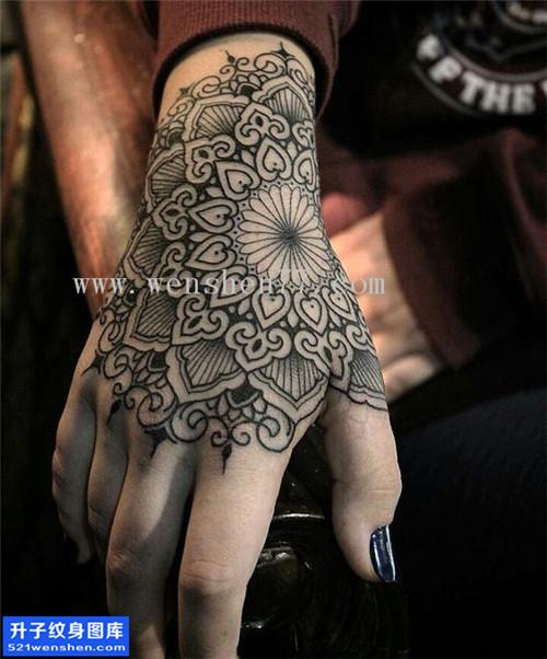 女性梵花手背点刺纹身图案大全