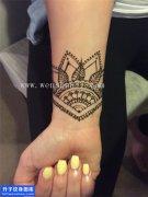 女性手腕梵花纹身图片大全
