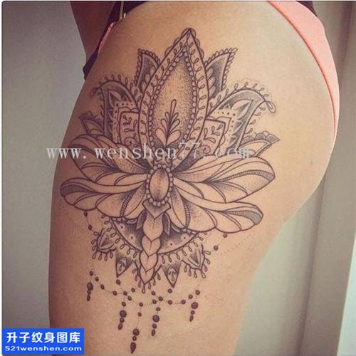 重庆纹身哪里便宜 女性大腿梵花点刺纹身图片大全