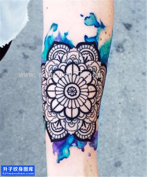女性小臂梵花彩色纹身图案大全