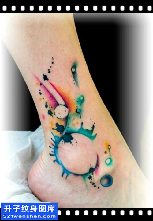 女性脚踝水墨彩色纹身图案大全