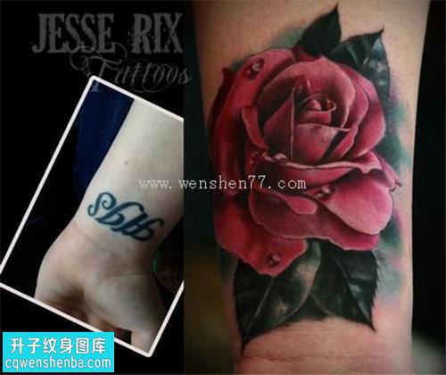 女性手腕欧美彩色玫瑰遮盖纹身图片大全