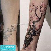 重庆遮盖纹身哪里好 女性手腕遮盖水墨梅花纹身
