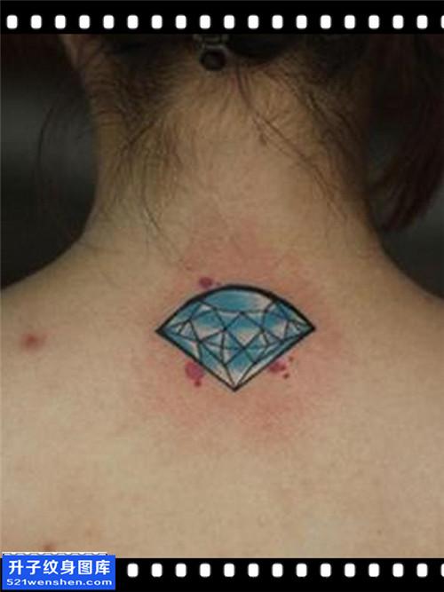 女性脖子欧美钻石纹身图案大全