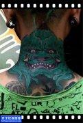 男性脖子传统彩色唐狮纹身图案大全
