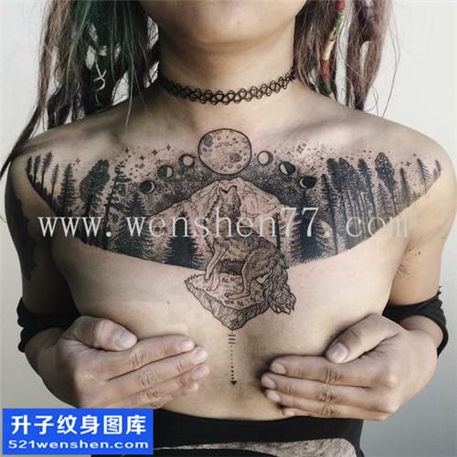 女性欧美花胸点刺纹身图案大全