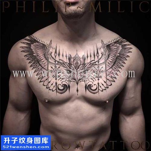 男性欧美花胸翅膀纹身图案大全