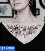 女性欧美花胸花纹身图案大全