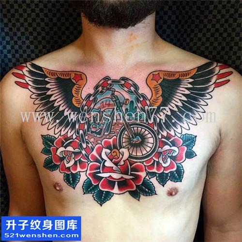 男性欧美花胸翅膀玫瑰纹身图片大全