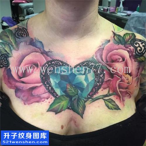 女性欧美花胸钻石玫瑰纹身图案大全