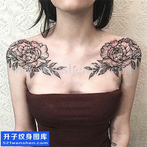 女性锁骨欧美花纹身图案大全