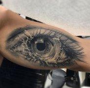大臂内侧写实眼睛纹身图案大全 解放碑纹身