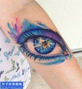 手臂彩色泼墨眼睛纹身图案大全