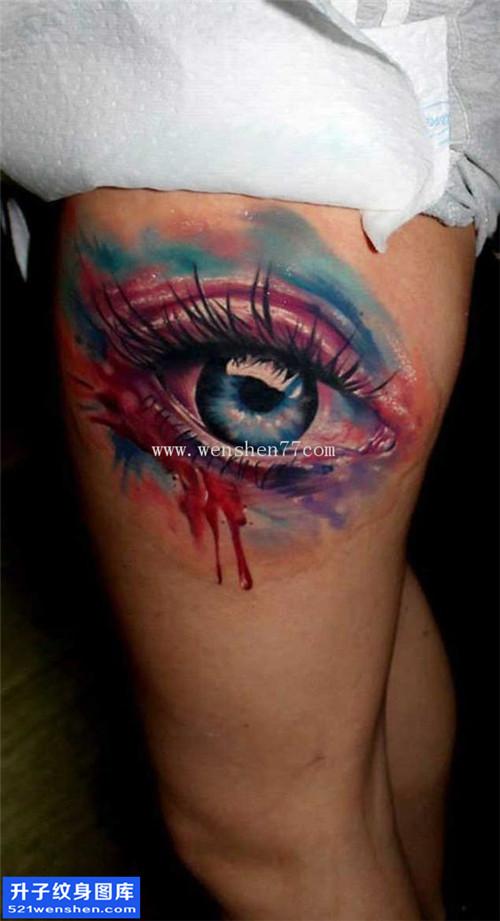 大腿彩色写实眼睛纹身图案大全 沙坪坝纹身