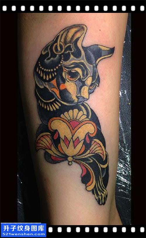 男性大臂欧美猫纹身图片大全