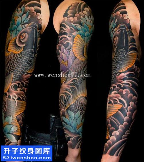 男性花臂传统鲤鱼纹身图案大全