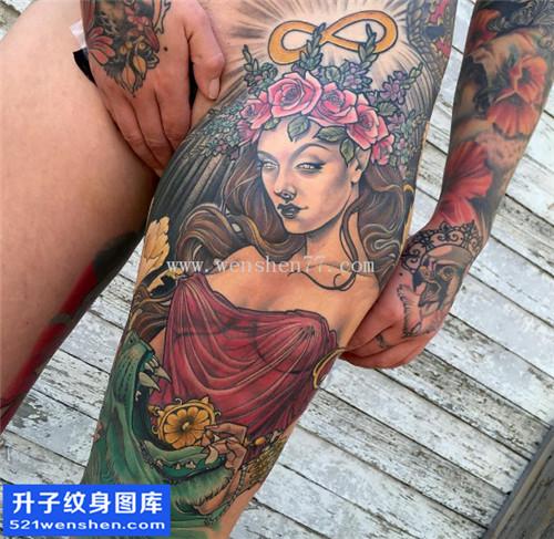 女性大腿根部肖像纹身图案大全