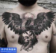 男性前胸大V乌鸦纹身图案大全