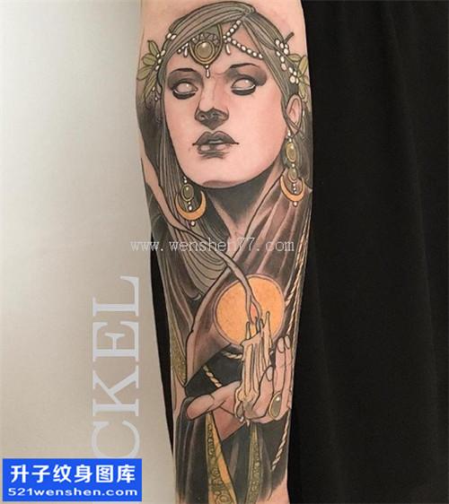 彩色小臂人物肖像纹身图片