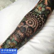 包小臂骷髅纹身图案
