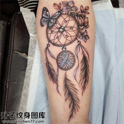小腿捕梦网纹身图案