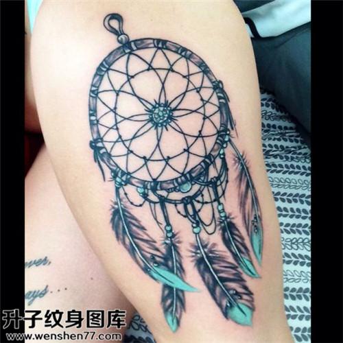 大腿欧美彩色捕梦网纹身图案