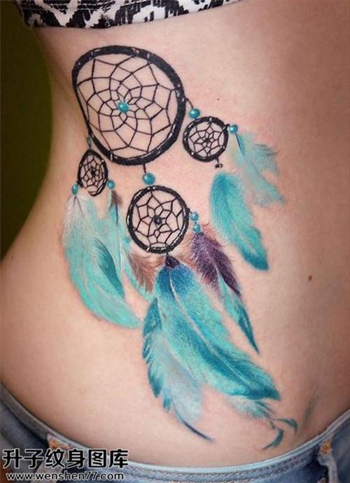 侧腰彩色捕梦网纹身图案