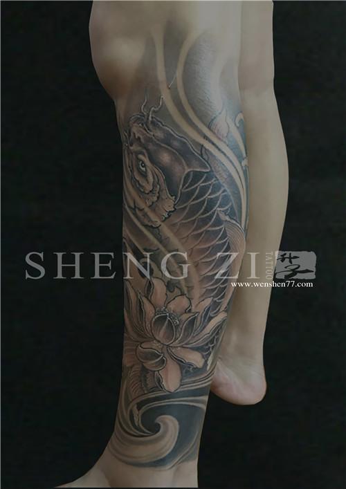 包小腿鲤鱼纹身图案