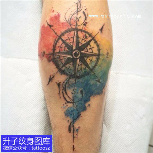 小腿经典彩色泼墨指南针纹身图案