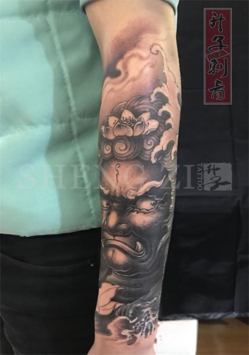 小臂外侧遮盖失败纹身不动明王纹身图案