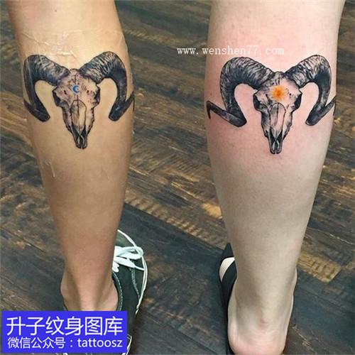小腿后侧彩色羊头纹身图案 白羊座纹身