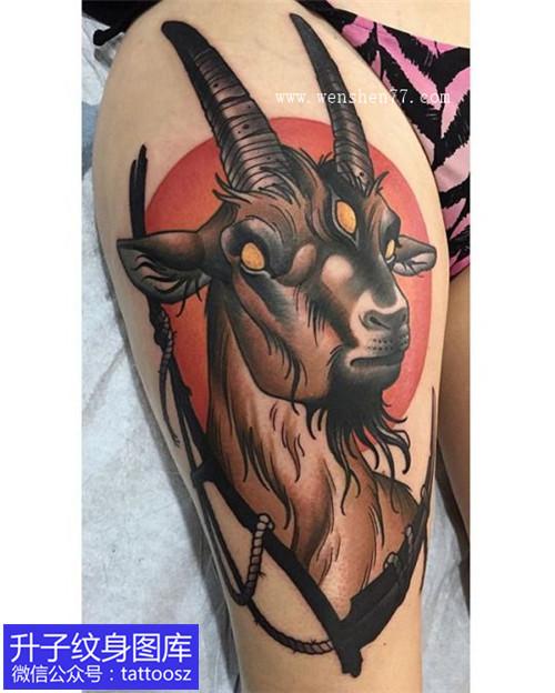 女性大腿根部new school羊头纹身图案