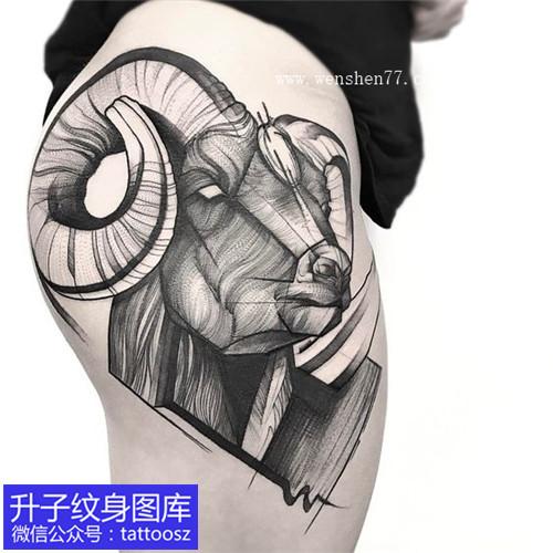大腿欧美黑白羊头纹身图案