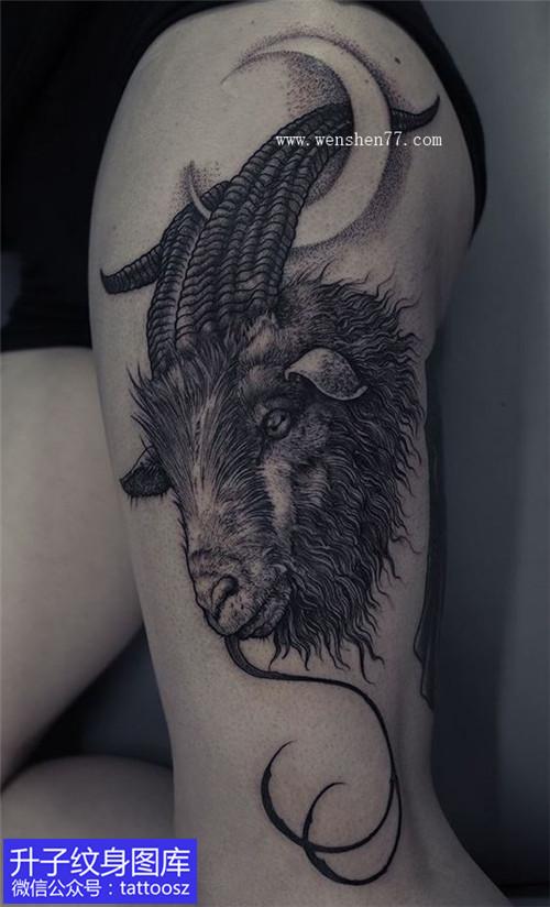 女性大腿外侧黑灰羊头纹身图案大全