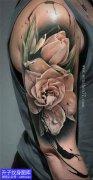 大臂外侧玫瑰花纹身图案