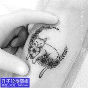 手臂内侧猫咪纹身图案精致小图
