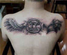 后背天使恶魔翅膀纹身图案