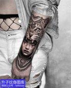 手臂豹子美女纹身图案大全