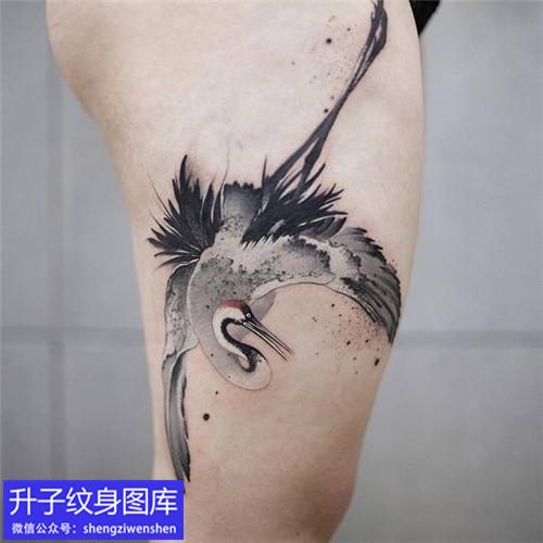重庆纹身店推荐五款腿部仙鹤纹身图案