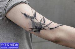 大臂外侧中国风格竹子纹身