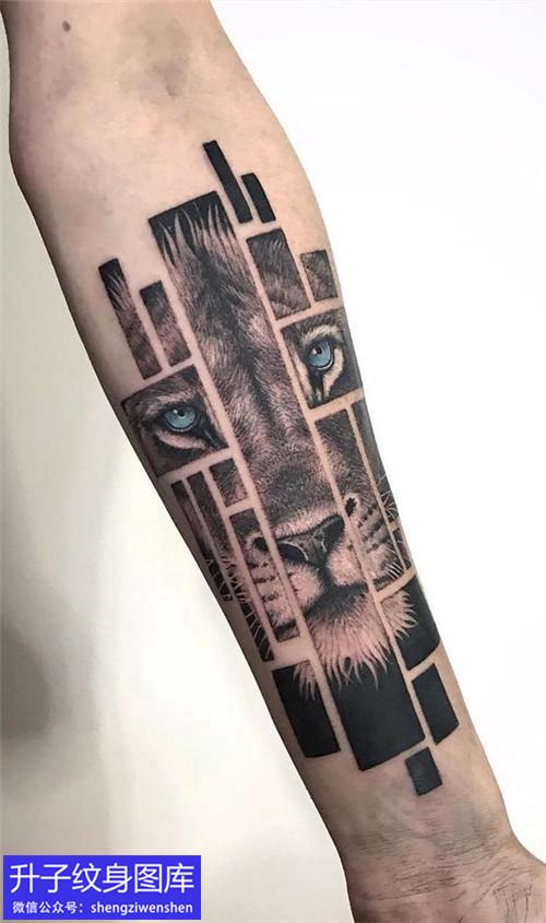 手臂欧美几何老虎纹身图案
