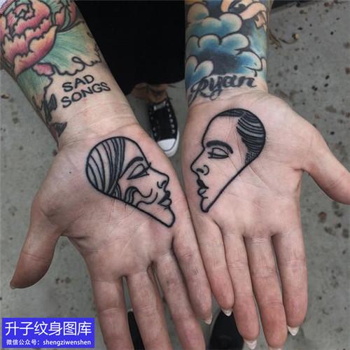 手掌心黑白肖像头像纹身图案