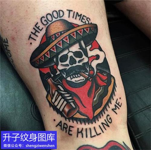腿上old school骷髅纹身图案