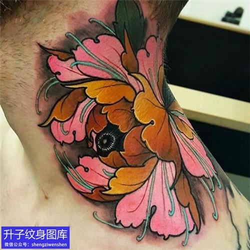 脖子彩色精致new school纹身