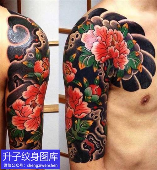 推荐三款霸气的传统半甲纹身图案
