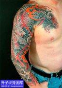 花臂传统风格的龙纹身图案