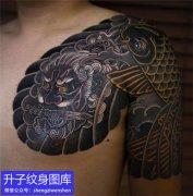 老传统半甲鲤鱼唐狮纹身图案