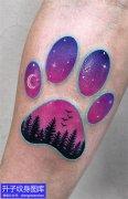 手臂彩动物色脚印纹身图案