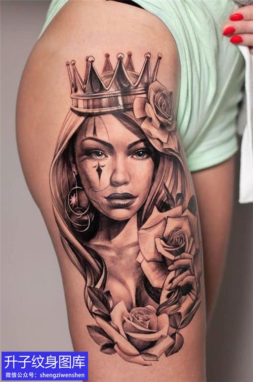 沙坪坝大腿皇冠美女与玫瑰花纹身图案