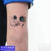 手臂宇航员纹身图案大全